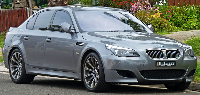 2007-2010_bmw_m5_e60-engine