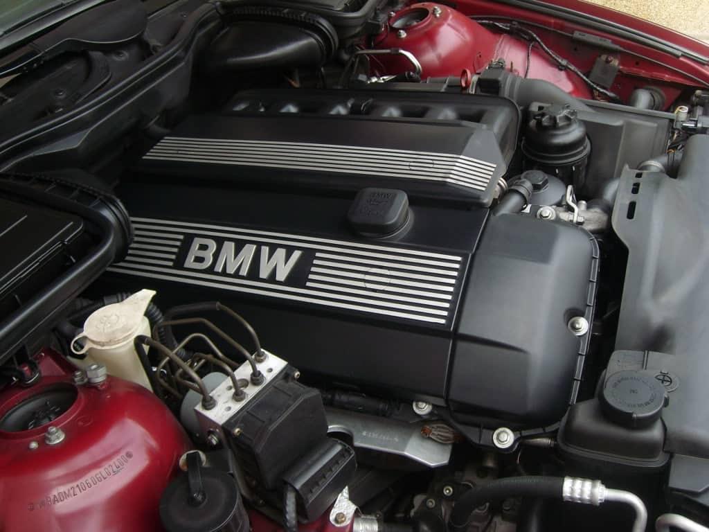 bmw-m52b28-engine