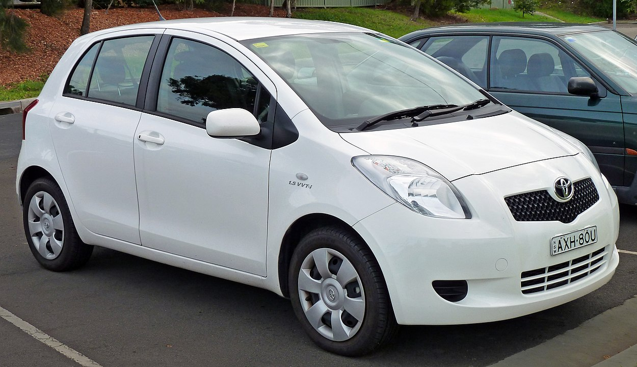 2012 toyota yaris oil capacity