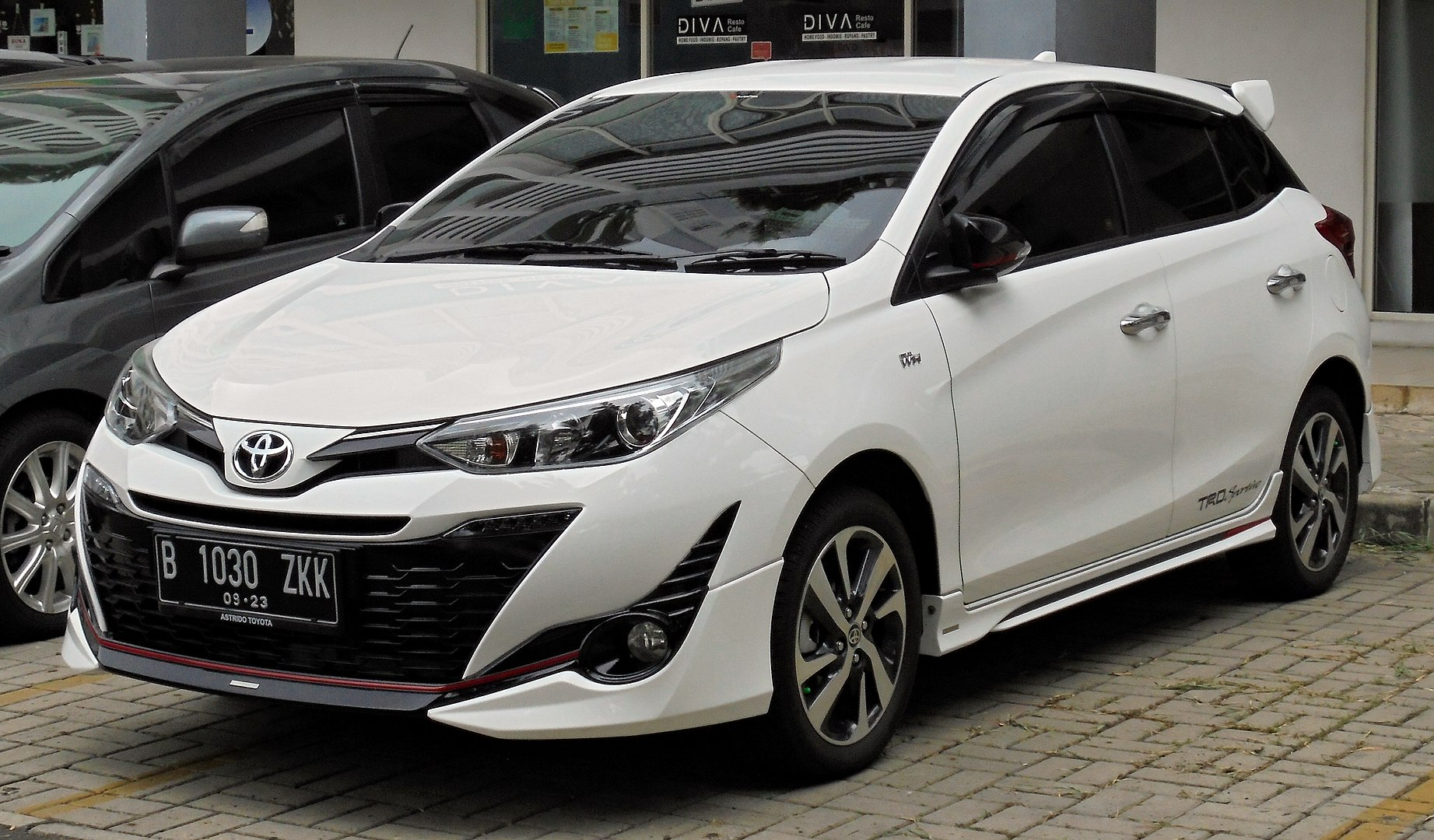 toyota yaris oil capacity
